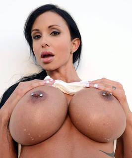Download kostenlos busty Sex Bilder.